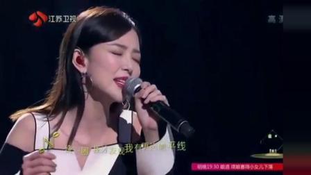 时隔多年汪小敏再唱《柠檬草的味道》, 将经历融入其中感动全场!
