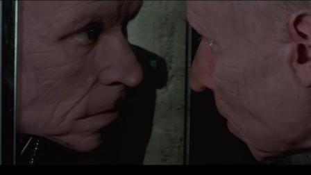 邪恶军官开启神秘卷轴, 瞬间返老还童