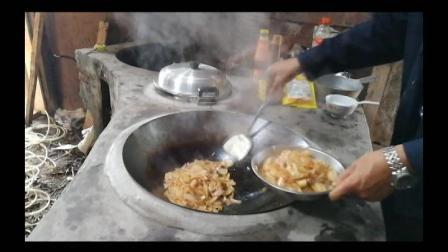悟思竞回农村-今天终于通电亮灯了, 炒个五香洋葱回锅肉奖励自己