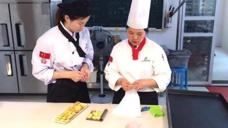 学做蛋糕去哪里学 蛋糕培训 蛋糕教学 西点烘焙 蛋糕面包培训