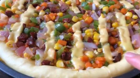 想吃披萨不用买了, 在家用电饼铛、平底锅就能做, 比烤箱做的还好吃!