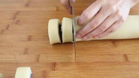 红豆别总蒸豆包了, 看看这样的方法, 保证是你吃过最香酥可口的甜食!