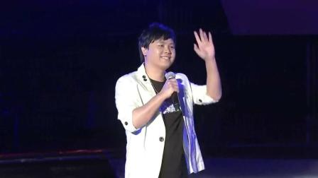 郑源现场深情演唱《不要在我寂寞的时候说爱我》经典情歌太好听了