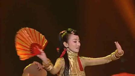 厉害! 萨顶顶在韩国舞台上表演《万物生》, 惊艳全场