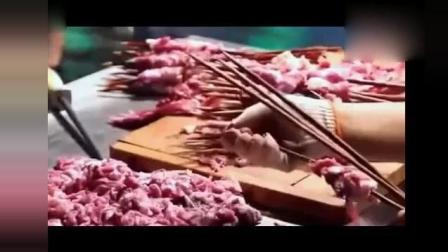牛人现场剔骨切羊肉烤羊肉串, 真材实料让黑心商