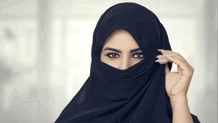 神秘的阿拉伯女人, 白天穿着黑纱, 晚上却是另一番风景