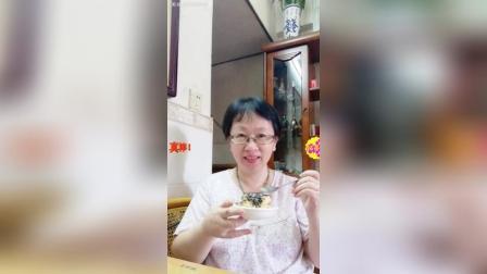 下午茶自制榛子朱古力卡通蛋糕吃。