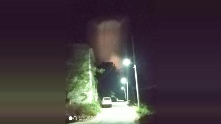 这难道是UFO嘛, 在保定市某个小村子拍到的