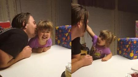 爸爸亲下宝贝女儿, 却被反手一巴掌, 彻底懵了!