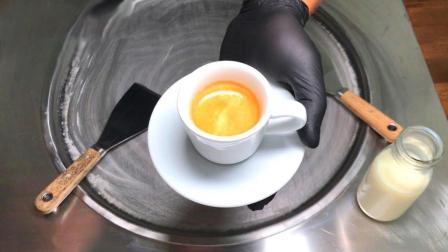 香浓的咖啡被炒成了冰淇淋, 这回你能分辨出是星巴克还是速溶吗?