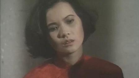 义不容情: 女子穿红衣听戏曲, 执行绞刑, 这段看的我号压抑!