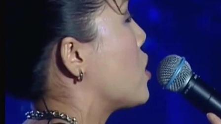 中国好声音: 冠军旦增尼玛最爱田震的歌, 但唯独《执着》没敢唱