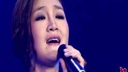 降央卓玛一首《父亲》, 唱哭多少在外打工的孝顺儿女, 听到一半泪流满面