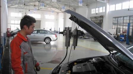 汽车油耗高, 打吊瓶管用吗? 汽修技工的讲解令人信服!