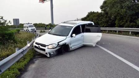 两车都是稍微越线, 可就是这样小违章, 却撞毁了车子《短版》