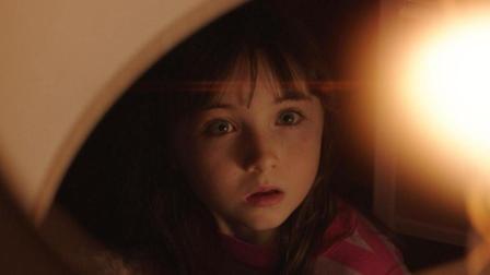 胆小者看的恐怖电影解说: 5分钟看懂美国恐怖片《鬼驱人》