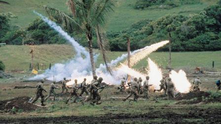 华裔导演吴宇森战争力作《风语者》, 火爆场面令人震撼, 战争的残酷被表现的淋漓尽致
