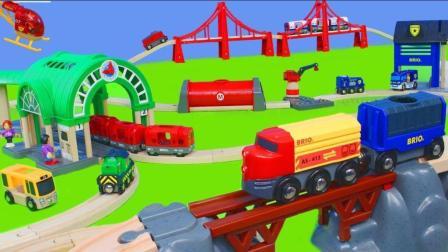 玩具火车: 消防员玩具车, 隧道和木制火车铁路玩具拆箱儿童