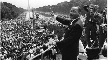 I have a dream 马丁路德金在林肯纪念堂下的演讲