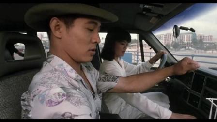 李连杰坐在副驾学开车, 笑到肚子疼, 教练却又是位美女
