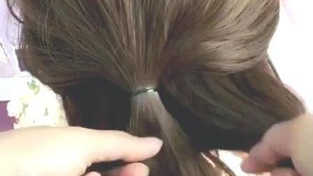 简单又显气质的慵懒发型, 在家或者出门都适合扎, 很随意的美