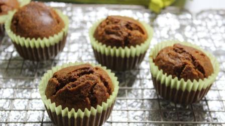 全麦麦芬的做法 不打发 不发酵 10分钟做出可口小蛋糕