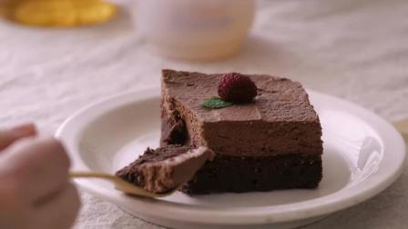 布朗尼巧克力慕斯蛋糕配红茶, 一场慵懒下午茶的标配!