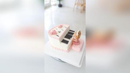 弹钢琴的小女孩造型蛋糕
