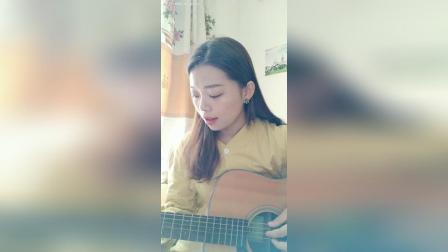 女生吉他弹唱~英文歌Yellow