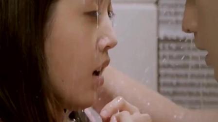 霸道总裁激情满满的浴室吻 看了让人想恋爱啊