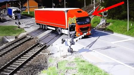 大货车误入火车道口, 为了保住性命, 司机做出无奈选择!