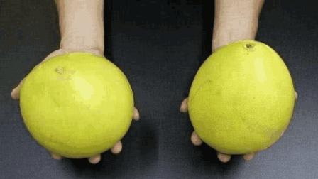 买柚子别再让水果摊贩挑, 学会这招, 就能挑到皮薄肉多的柚子