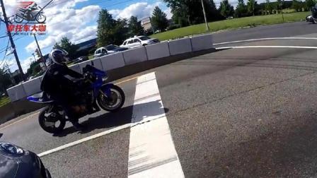 本田CB600RR摩托车主挑衅川崎摩托车主, 结果被实力打脸!