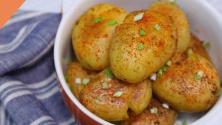 35秒教你做在家就能吃到的小吃香煎小土豆