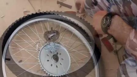 牛人把自行车改装成摩托车, 轰油门的瞬间太酷了
