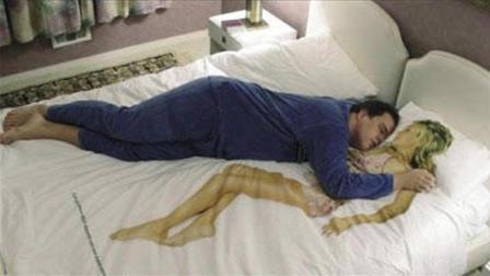 为什么老人说睡觉千万不能脚西头东? 科学解释了