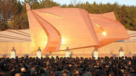 【朝鲜牡丹峰乐团】《高高飘扬吧 我们的党旗》双语字幕