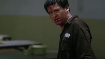 《监狱风云2》发哥怒火攻心手刃恶人, 狱警看见也不阻拦