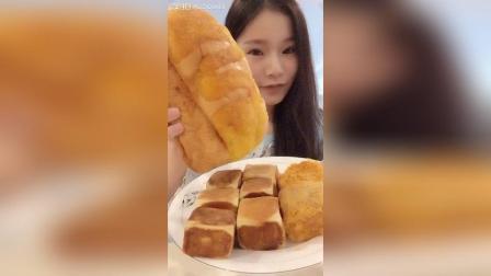 椰蓉牛奶手撕面包撕着吃太满足了, 买了五个