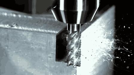 慢镜头下的金属加工, 让我感受到这才是真正的削铁如泥