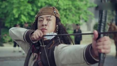 猎人向鬼子展示弓箭射击技巧,小鬼子看不起: