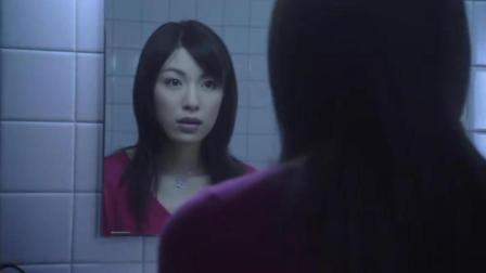 医院有个传说, 午夜12点对着厕所镜子许愿, 就可以变漂亮!