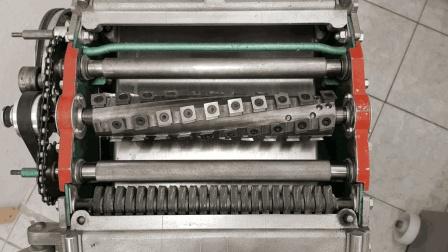 欧美木工标配的舍弃式螺旋刀头换上刨床多复杂? 木工还得懂车床?