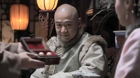 县令给和珅送礼物,一出手就是两颗大珍珠,可惜全落纪晓岚手里了