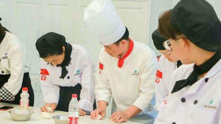 学烘焙要多少钱 上海蛋糕培训班 蛋糕教学Feihang schoo