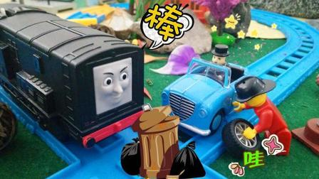迪塞尔火车头运送垃圾, 托马斯和他的朋友们玩具故事