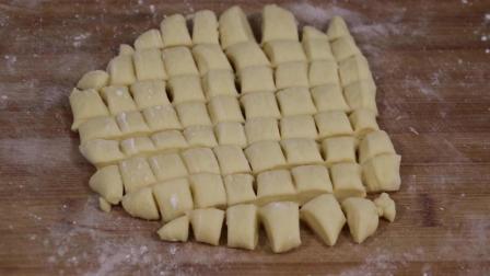 奶香小馒头, 不用烤箱, 不用一滴油和水, 奶香十足, 做法简单