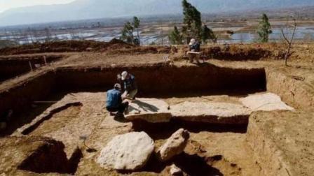 """考古专家发现一个""""怪""""灯, 细致研究后, 发现神"""