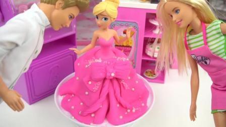 芭比娃娃玩具: 制作一个和芭比一样的翻糖蛋糕