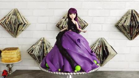 看看国外牛人是怎么用翻糖蛋糕做出漂亮的迪士尼公主的! 制作过程好玩又有趣